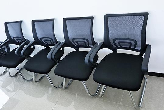 黑色回字型网状靠背办公座椅