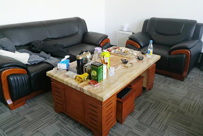 2+1黑色大气皮革办公沙发