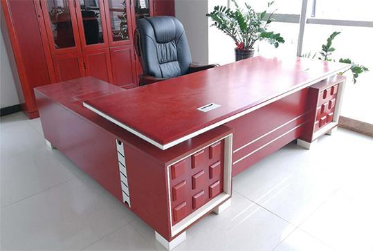 红棕色时尚带侧柜大班台、老板桌
