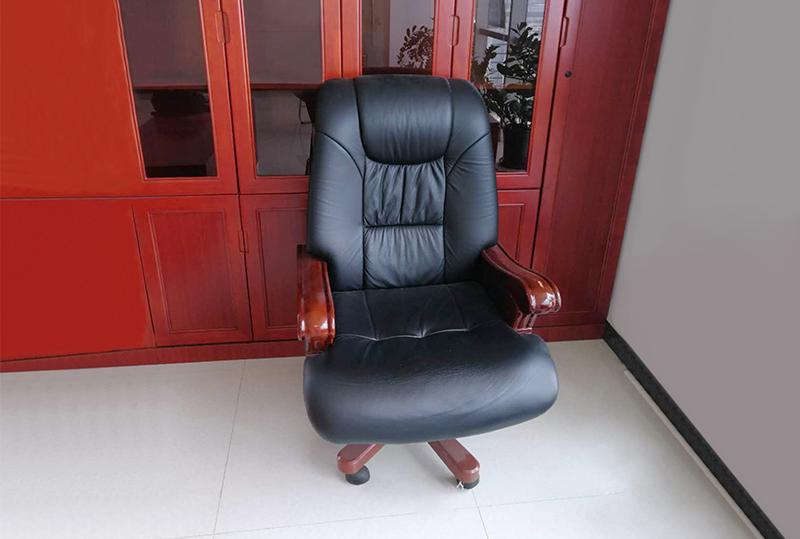 时尚黑色简约皮质大班椅、老板椅