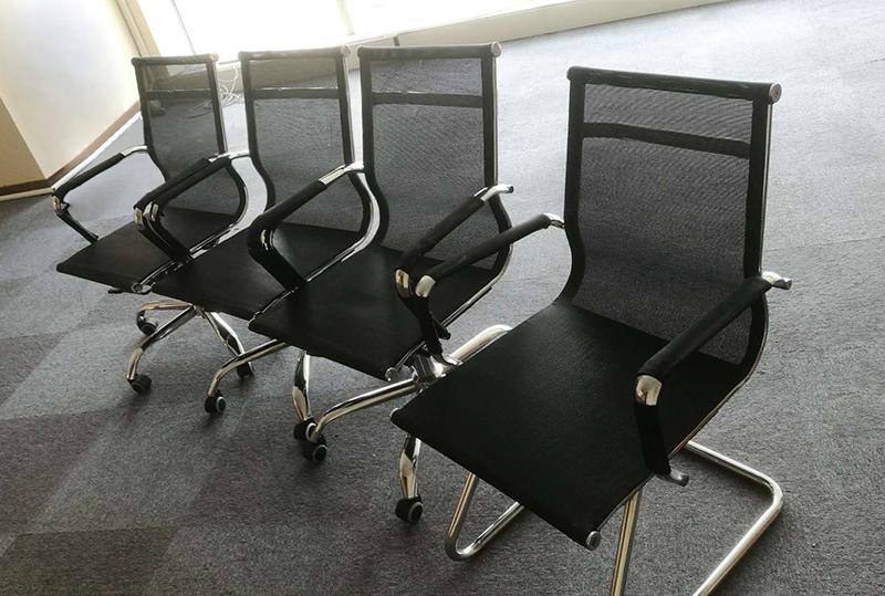 黑色时尚网状办公座椅