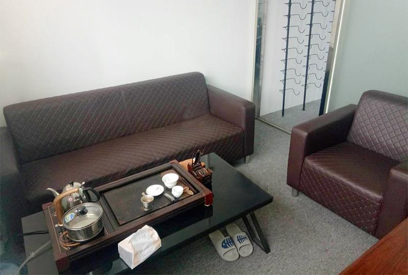时尚棕色皮革舒适办公沙发