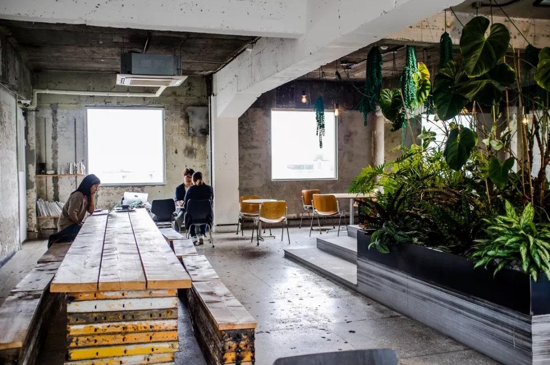 咖啡与工业风的撞击丨一家名叫无烟煤的咖啡馆