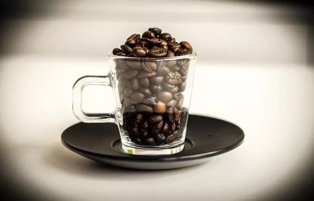 在家如何做好一杯冰咖啡