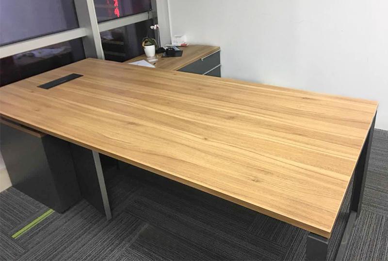 大气木纹带侧柜经理桌、大班台