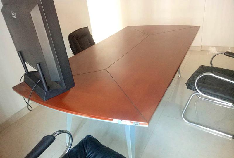 简约红棕色时尚办公会议桌