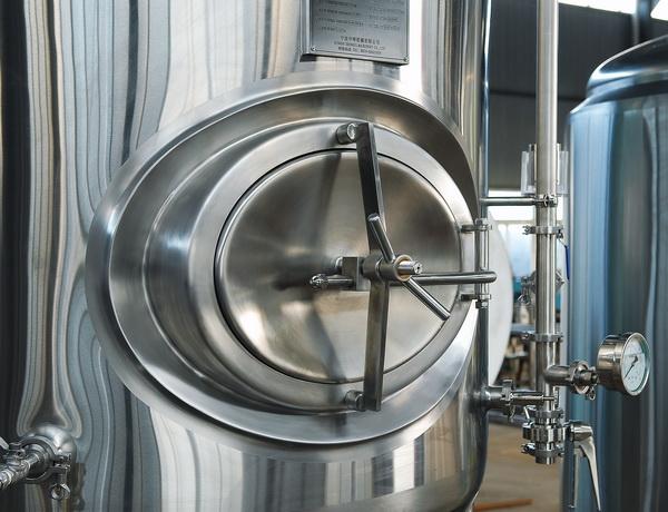 小型啤酒设备厂家告诉您啤酒设备选购注意细节