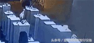 别低头,皇冠会掉!留学生一个自拍把135万的3D打印皇冠给拍掉了