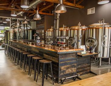 小型啤酒设备厂家告诉你:精酿啤酒设备应该怎么选择,有什么技巧?