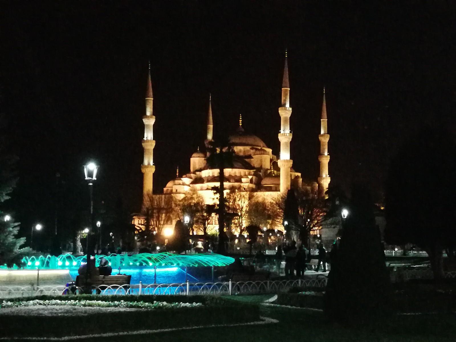 土耳其位置/面积/经济历史/货币/签证/着装/气候/土耳其插座