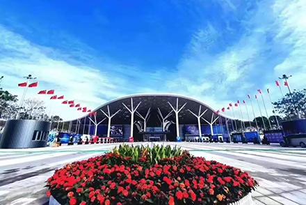 OG真人app 智造点胶机亮相深圳国际智能装备产业博览会