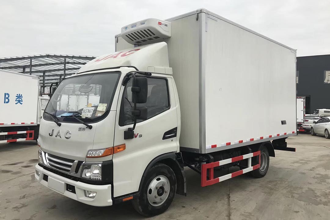 江淮骏铃4.2米蓝牌冷藏车