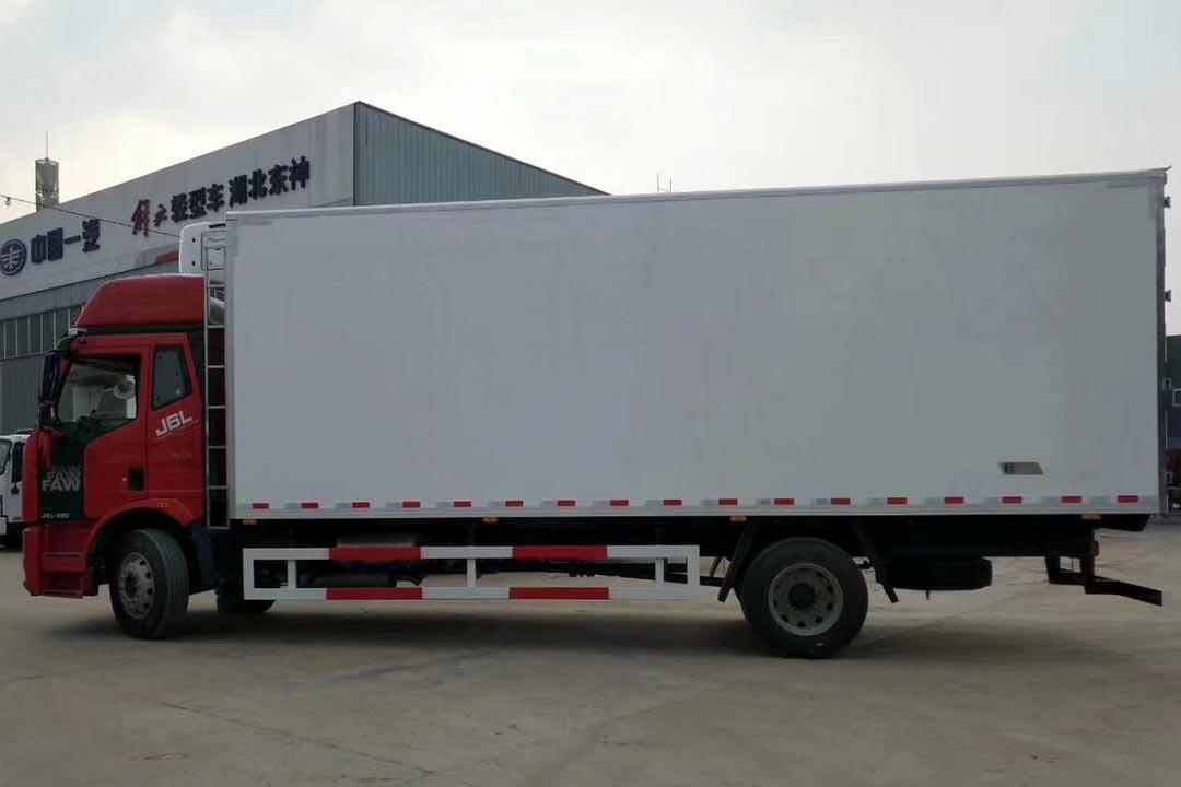 解放J6L6.2米国六冷藏车