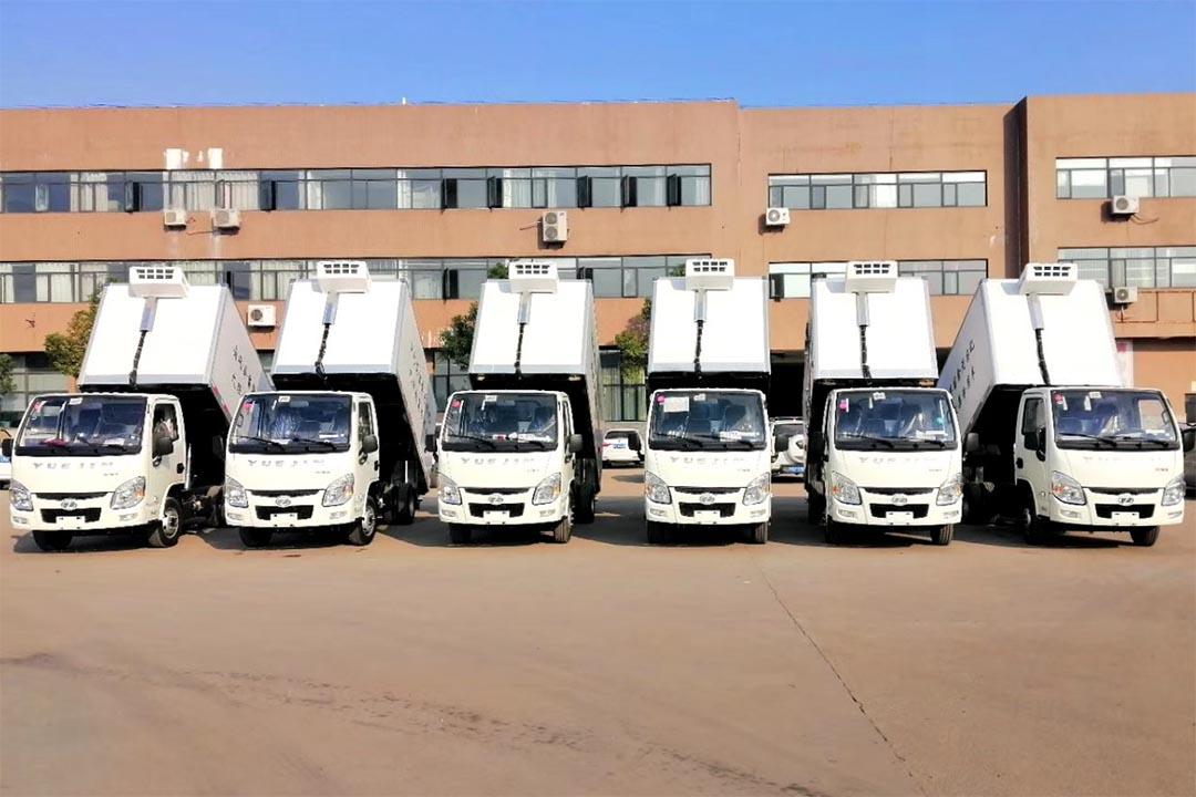 6台湖南客户的定制冷藏车,带箱体举升自卸功能