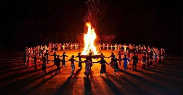 篝火晚会开场舞蹈