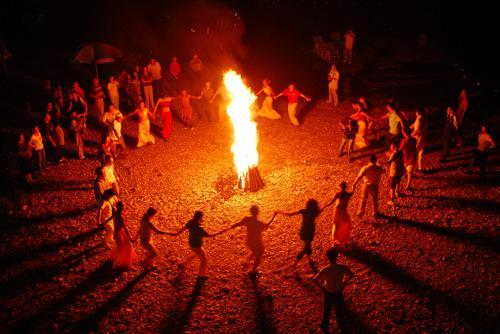 篝火晚会舞蹈
