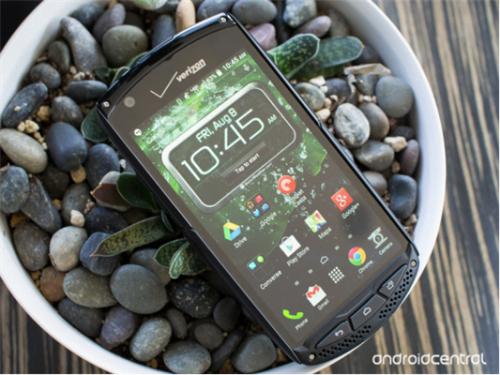 赛翡凯发国际平台经典案例---由美国运营商Verizon首发的一款京瓷三防手机Brigadier