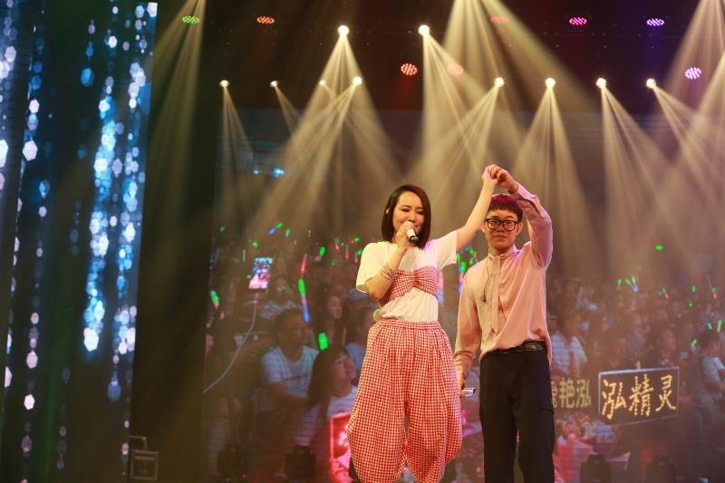 周艳泓世界巡演北京站演出在北京演艺专修学院圆满落幕
