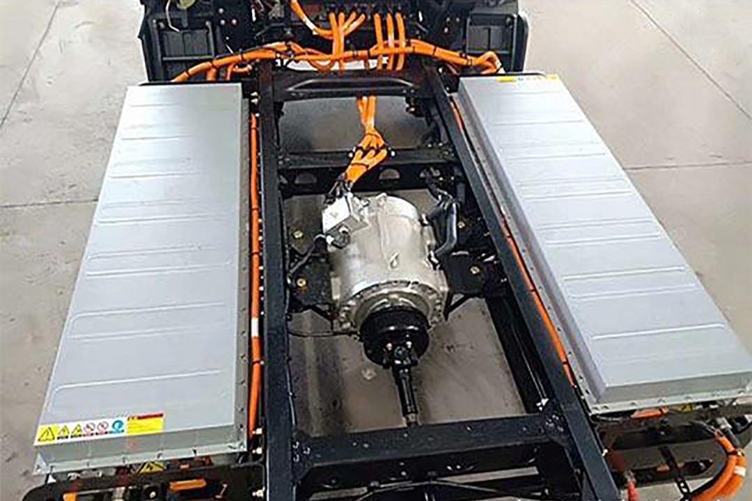大运新能源电动冷藏车