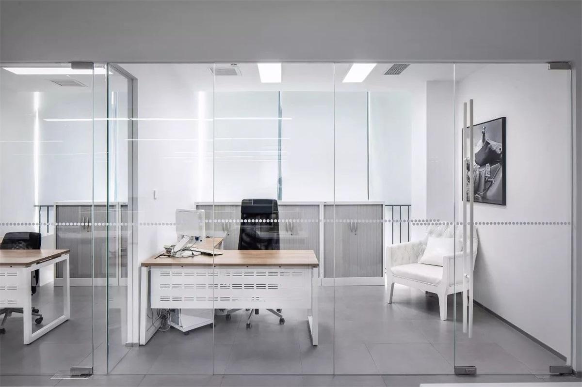 1100㎡的极简办公室, 让上班成为一种享受