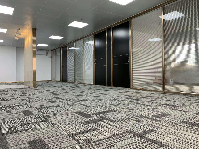 东方广场办公室320平装修