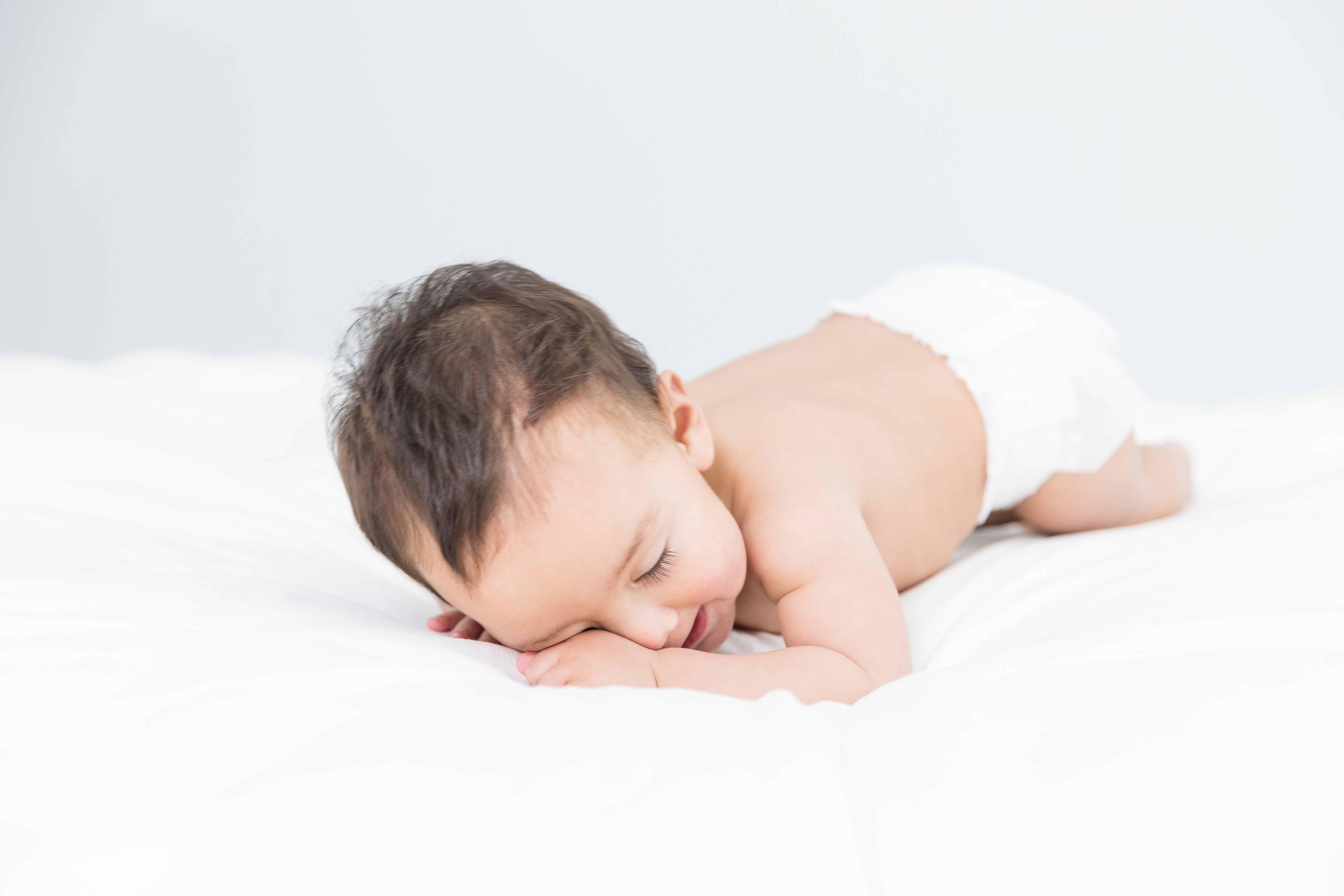宝宝睡觉总是翻来覆去不踏实,在不重视就会阻碍长高