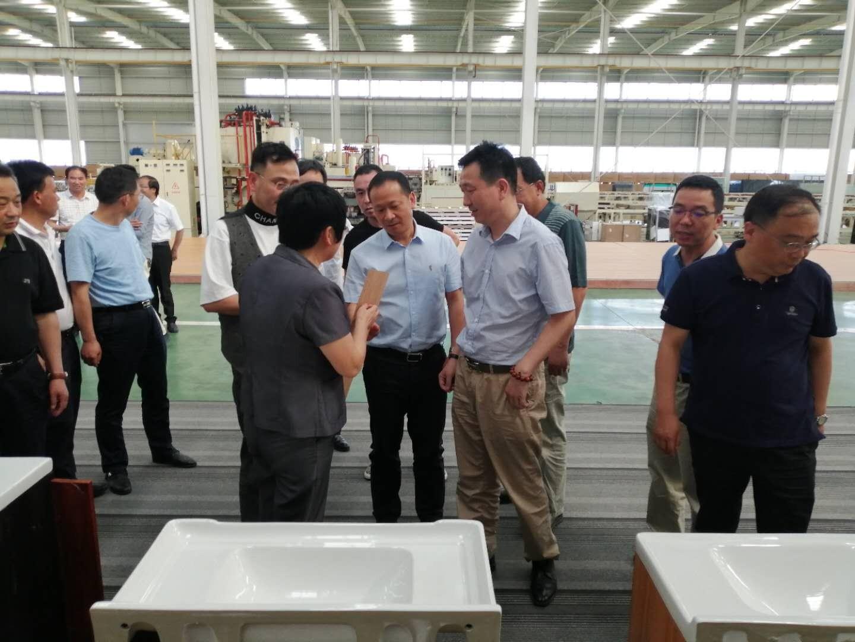 杜勇陪同黄冈市政协主席洪再林调研麻城