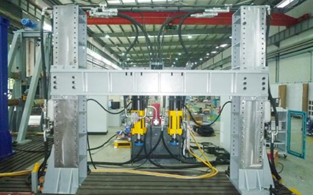 Torsional bending fatigue test bench for frame