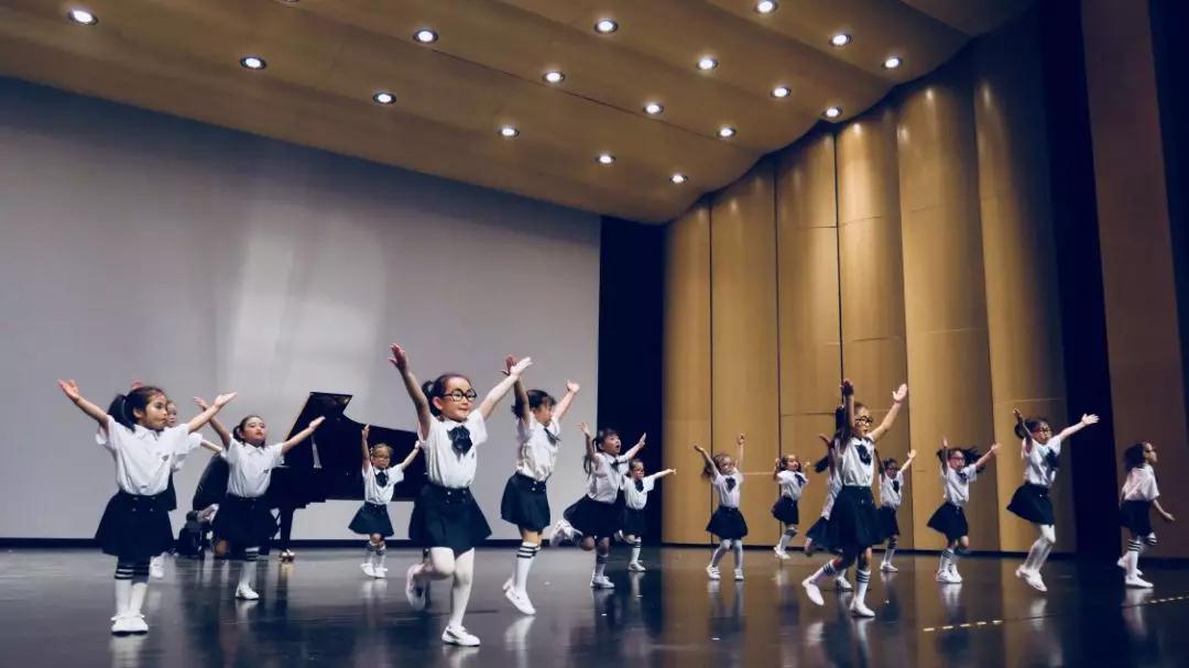企鹅五点半儿童舞蹈培训-专注3-12岁少儿中国舞及舞蹈启蒙教育