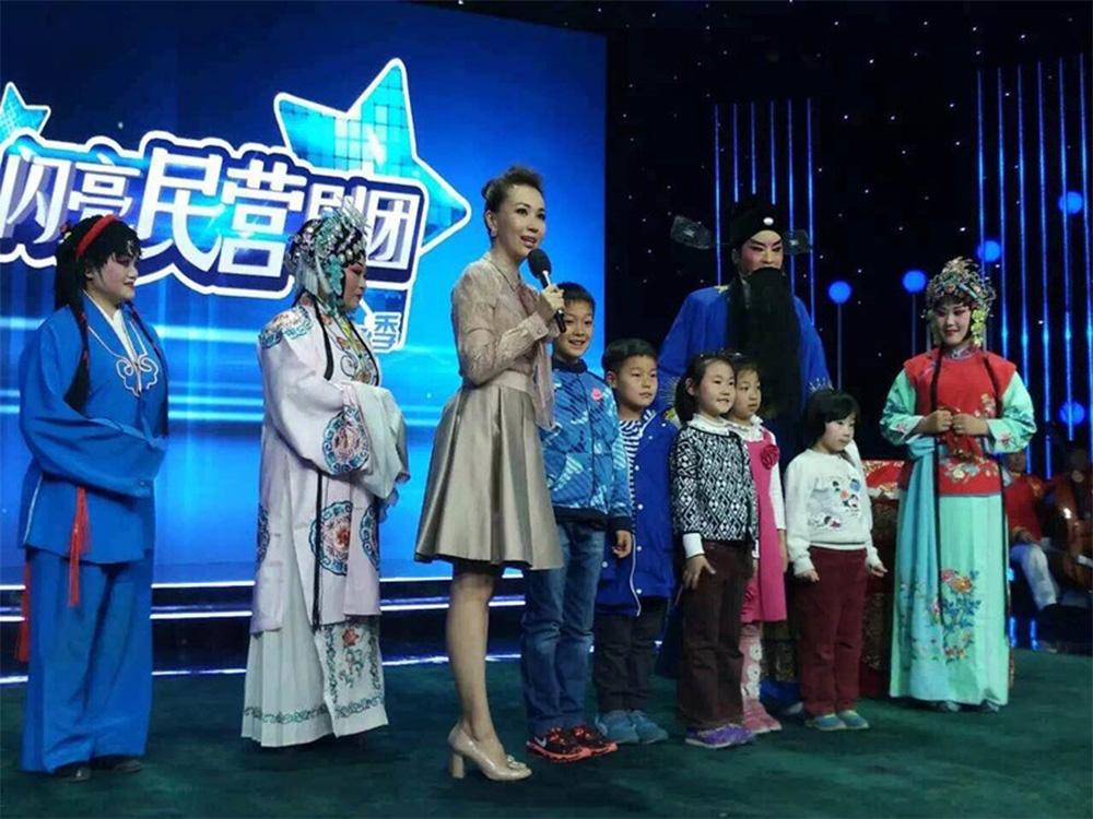 学员参加央视戏曲频道录制