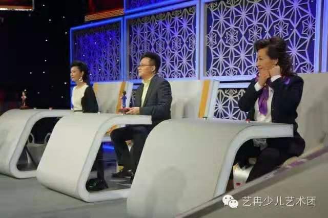 学员参加中央电视台《综艺盛典》