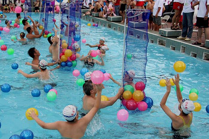 趣味水上项目:水上投球