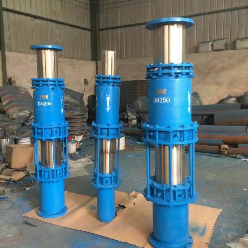 裕隆牌无推力套筒补偿器使用在新疆供暖管道上