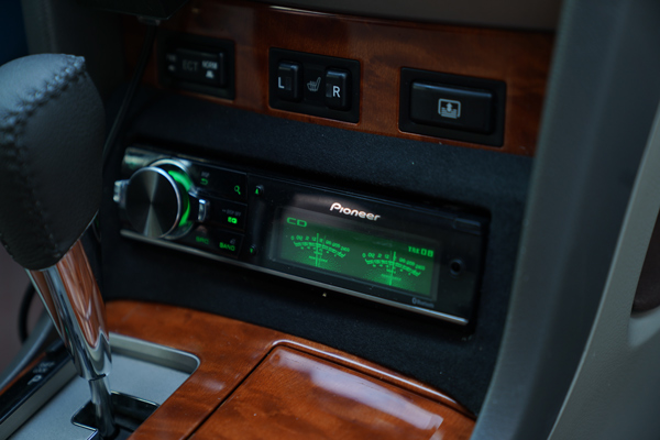 丰田锐志改装德国HELIX音响,Hi-Fi级配置给你极致的音乐享受