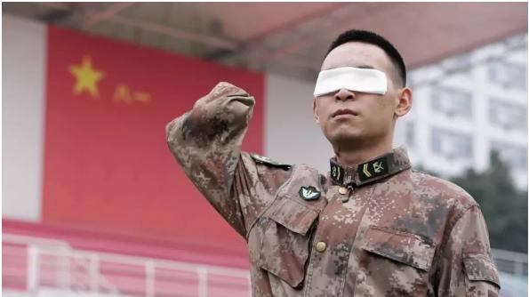 今天八一,致敬中国军人!