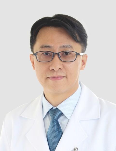 赖煌仁  医学士