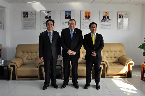我会张笑宇常务副会长在京会见埃及前总理沙拉夫先生