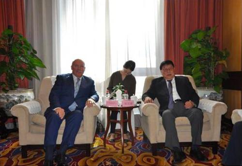 我会会长郑万通在京会见俄罗斯中国友好协会主席梅津采夫一行