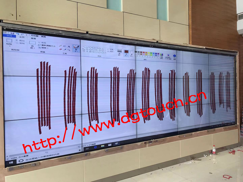 55寸3乘5液晶拼接加装红外触摸屏应用于四川遂宁