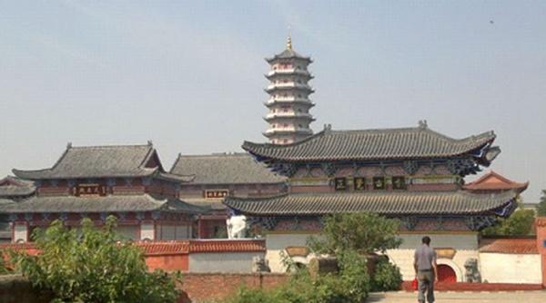纯闻大和尚出席抚州正觉寺及上海东林寺法会