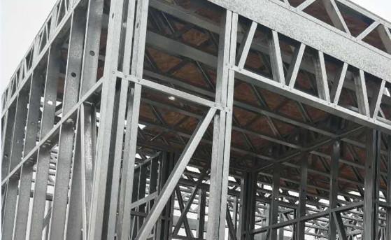 轻钢别墅:轻钢龙骨镀锌与镀铝锌哪种更防刮耐用?