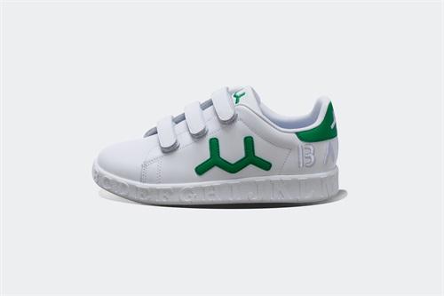 """品牌童鞋""""成人化""""已经成为新的消费形势"""