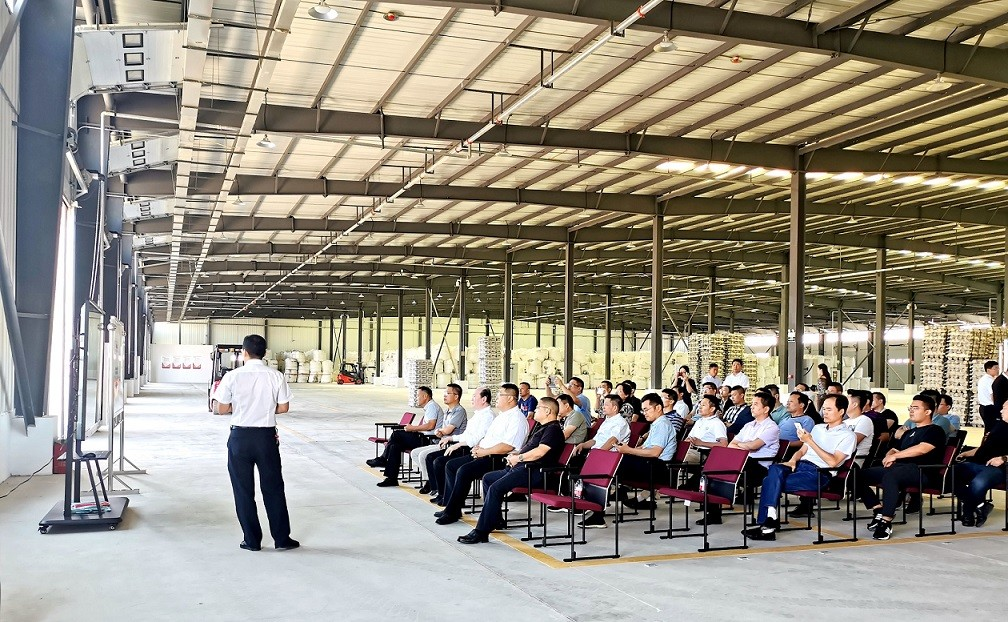 山东铝工业考察团来公司参观考察