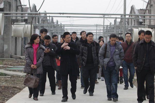 成都市畜牧系统负责人参观燎原养殖基地