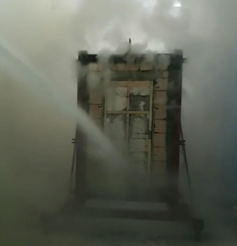 达安盛自主研发45mm厚防火门通过美标UL90分钟测试