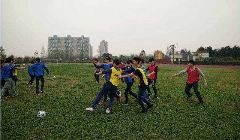 團隊協作拓展訓練項目:少林足球