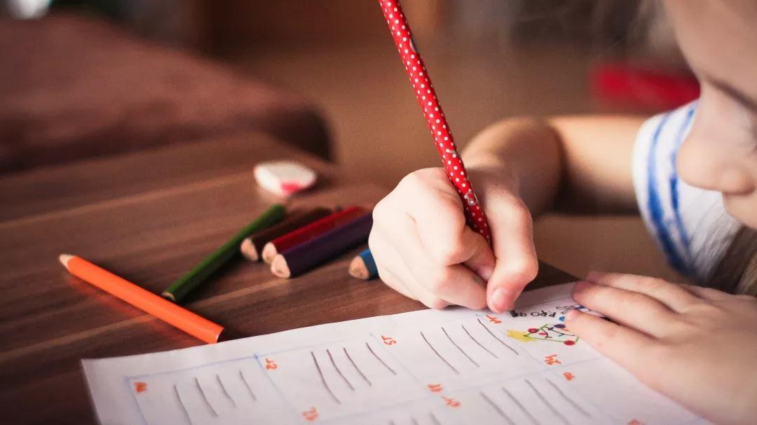 """""""暑期综合症""""扰乱孩子成长节奏?从儿童心理学上让孩子""""收心"""""""