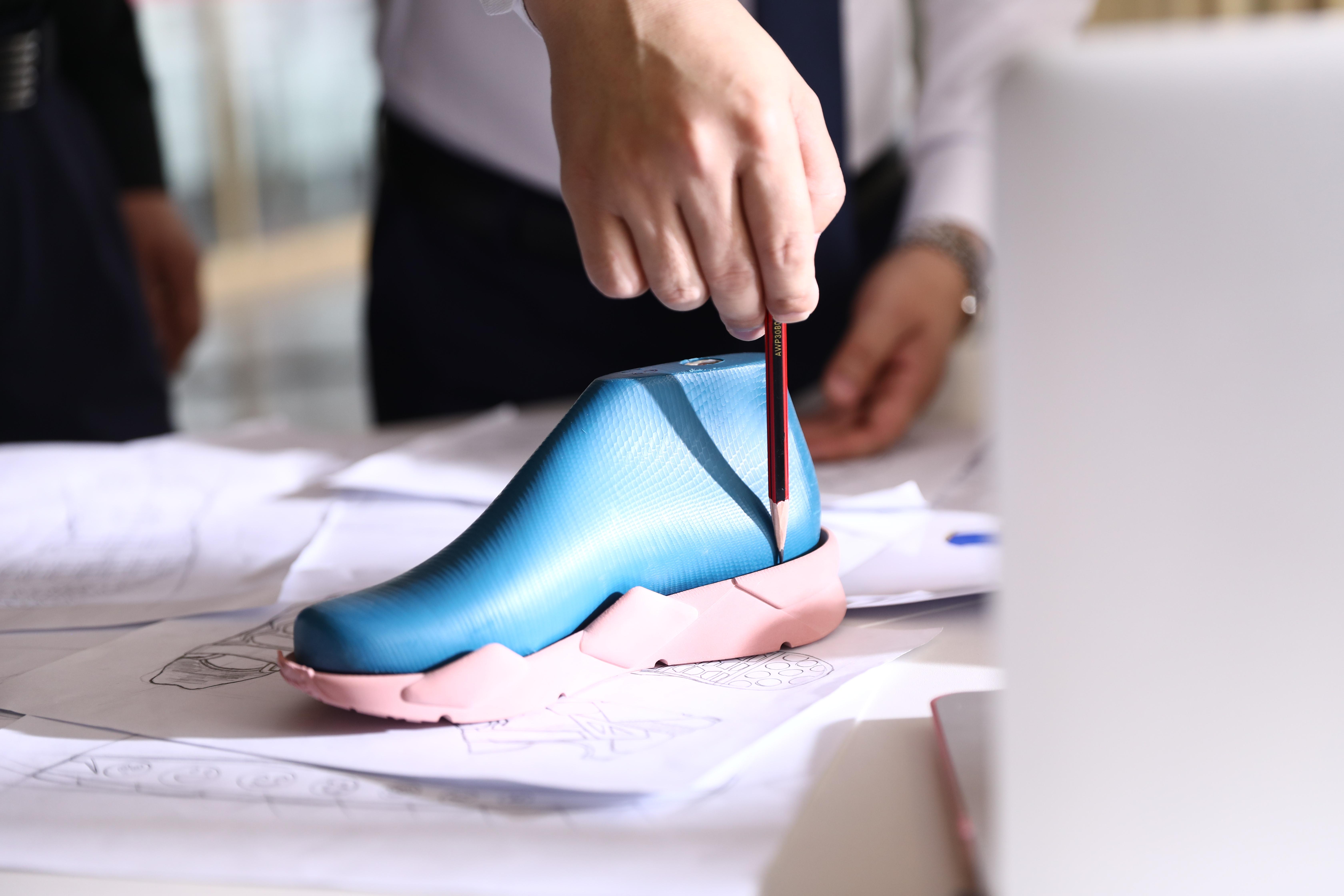 造访BANDZ班队长工厂   一探究竟:一双好鞋如何制成?