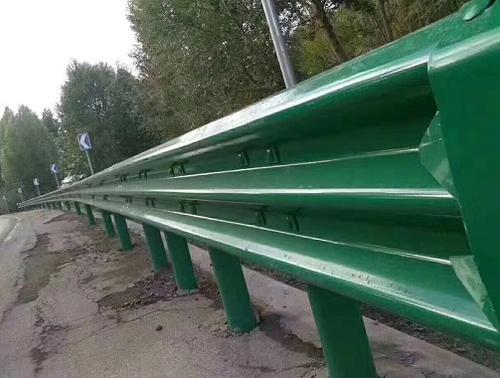高速公路波形护栏的施工方案