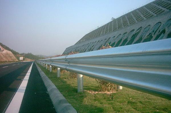 高速公路护栏护栏的作用和设计条件是什么?